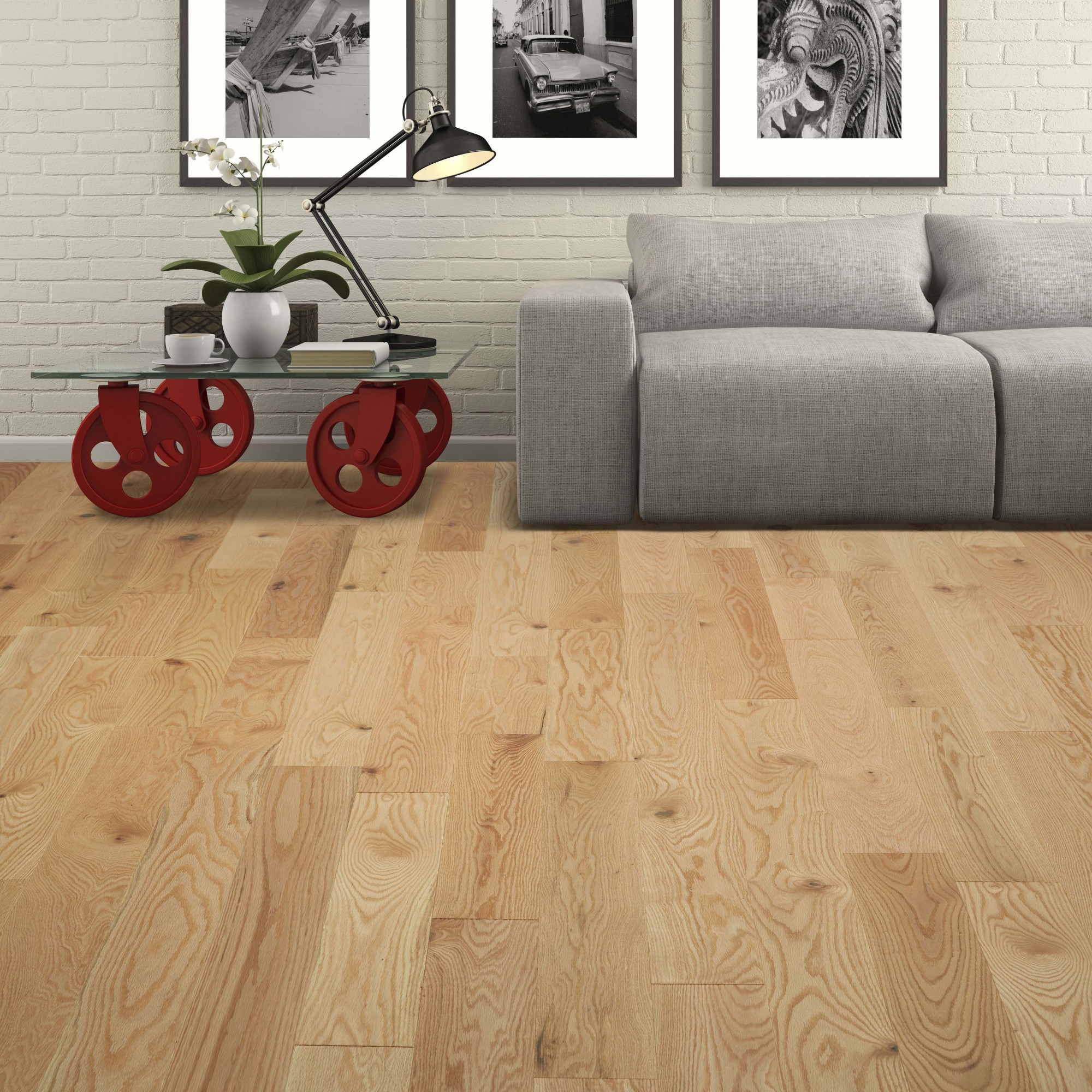 Read oak hardwood flor in Natural, Wire Brushed Collection